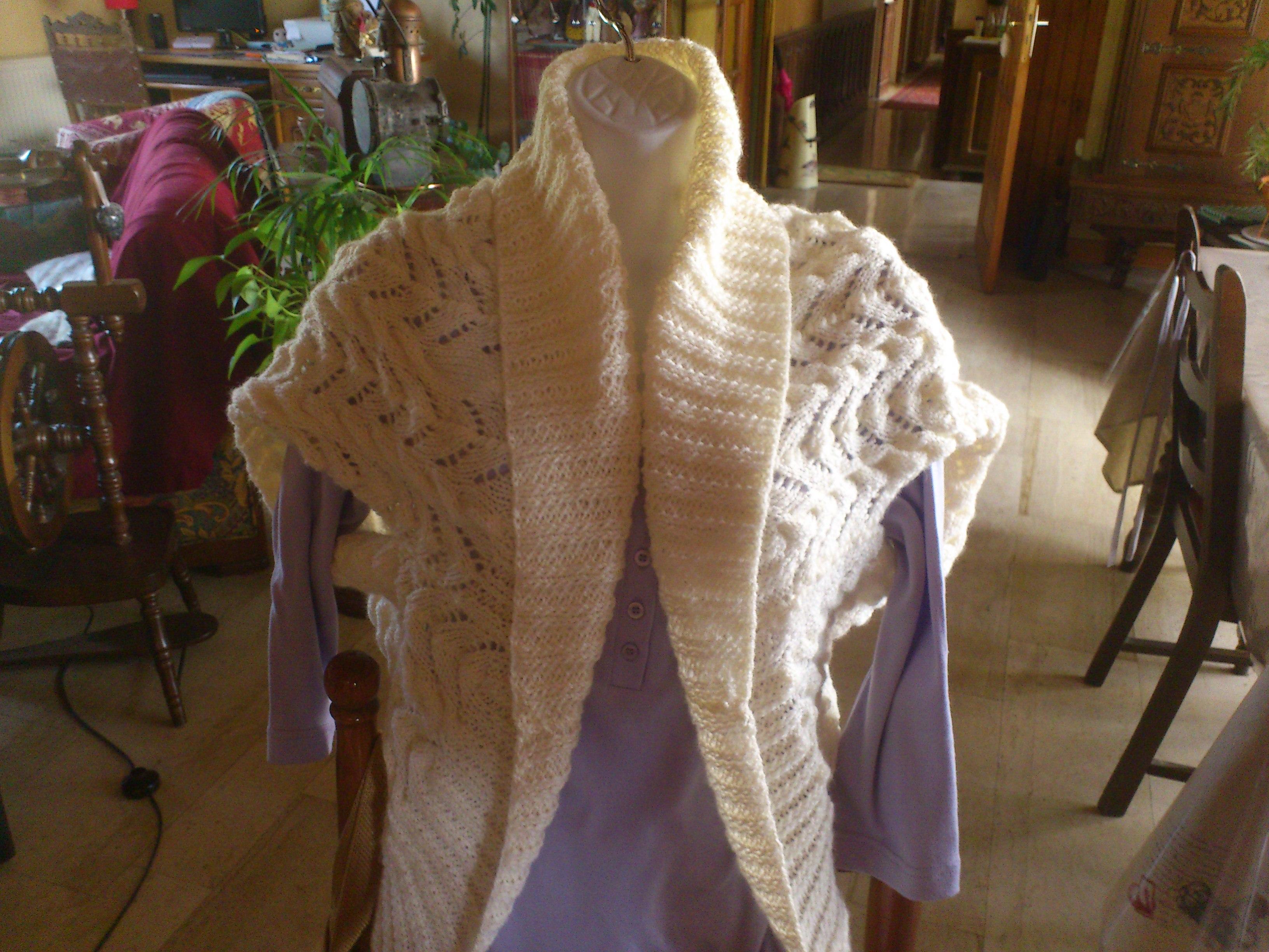 couvre épaule au tricot