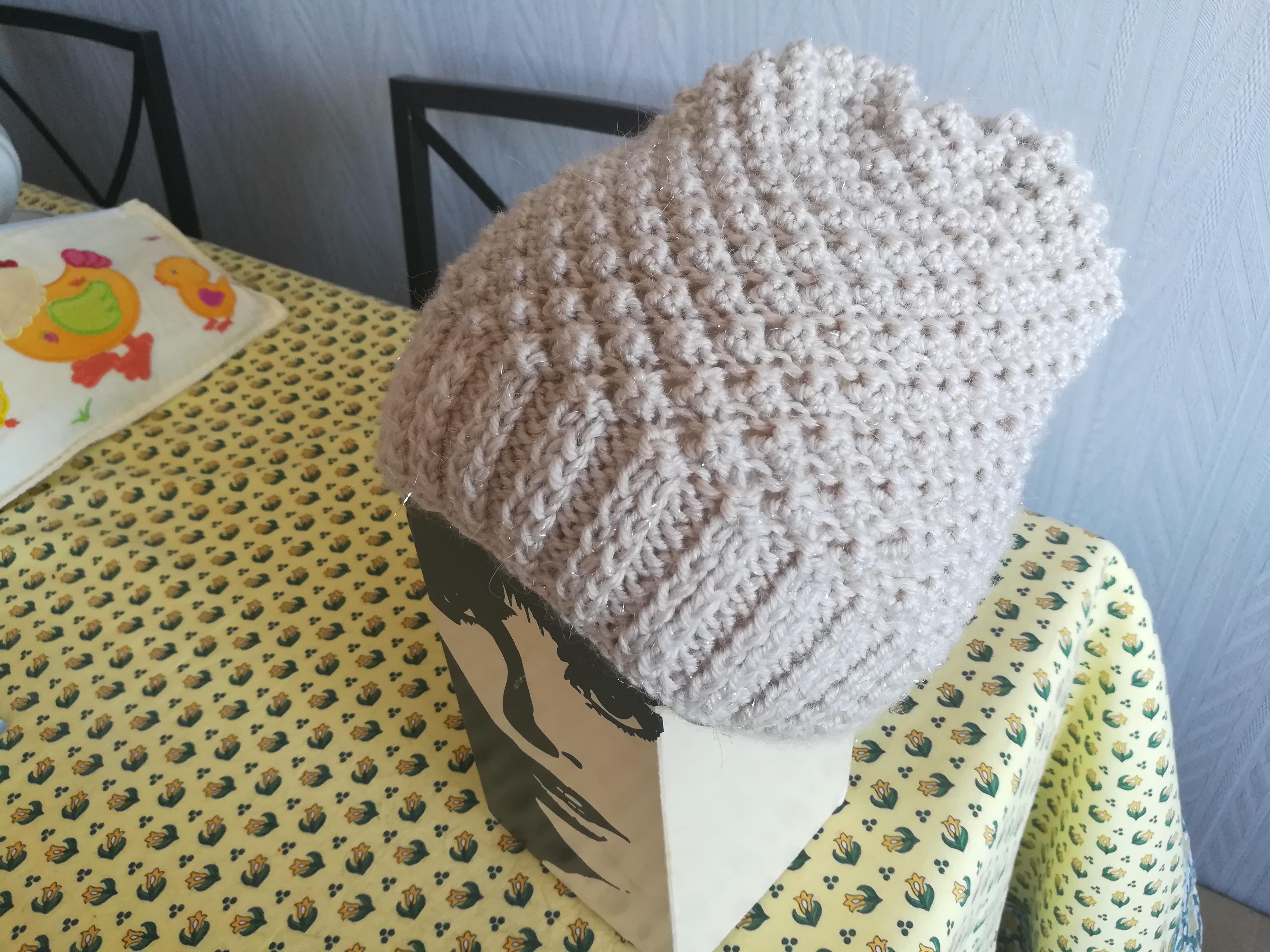 tricoter un bonnet au point d'astrakan